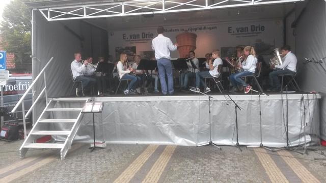 Optreden Notenkrakers tijdens Doorns Festival